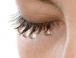 В каких случаях водостойкая тушь незаменима в макияже: секреты применения
