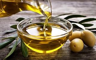 Оливковое масло для красоты ресниц: варианты применения средства