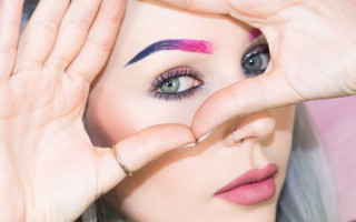 Уникальность цветных бровей: как создать неповторимый образ