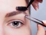 Как уменьшить боль при выщипывании бровей: советы мастеров