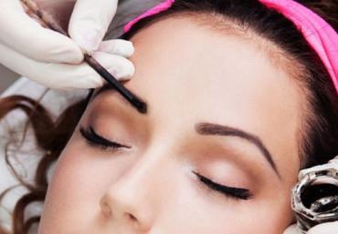 В каких случаях окрашивание бровей может навредить: противопоказания