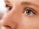 Почему появляется слезоточивость после процедуры наращивания ресниц и как ее вылечить