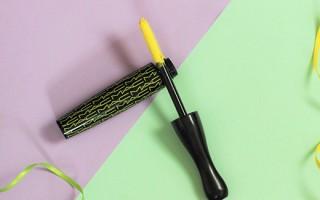 Уникальность желтой туши для ресниц и ее использование в макияже