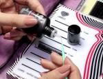 Виды и правила использования клеев для наращивания ресниц