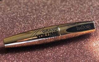 Обзор лучших средств для ресниц Isadora: разнообразие оттенков и варианты кисточек