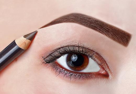 красить брови карандашом