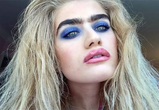 яркий макияж и монобровь