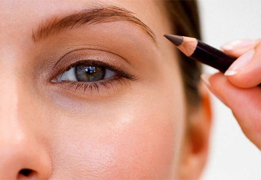 натуральный макияж бровей