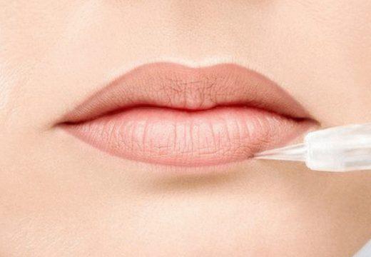 татуаж контура губ
