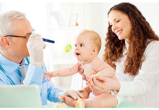 Осмотр офтальмолога грудного ребенка