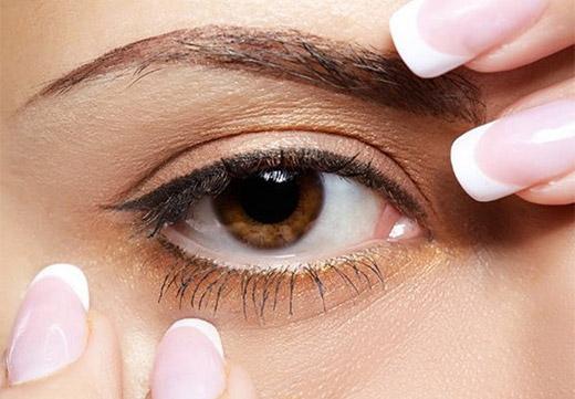 Карий здоровый глаз