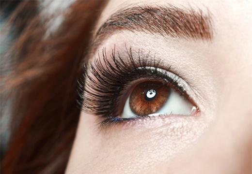 глаз с ресницами