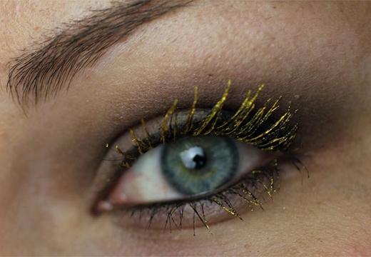 ресницы золотого цвета