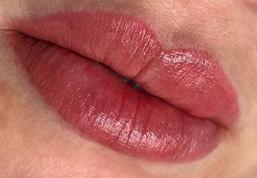Этапы заживления губ после татуажа и правила ухода
