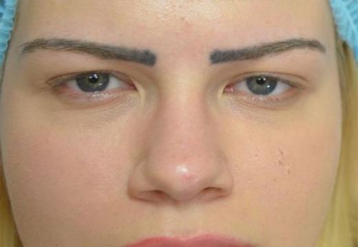 Размазанные брови