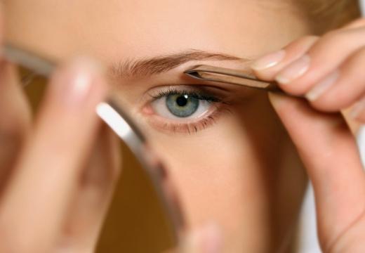 Не растут брови после выщипывания: что делать и как отрастить